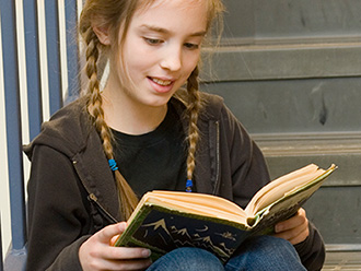 Reading high-interest passages at a student's reading level is an effective strategy for building reading stamina